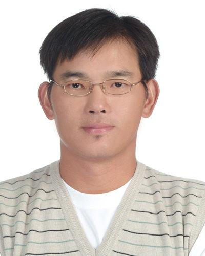 Ho, Yu-Min